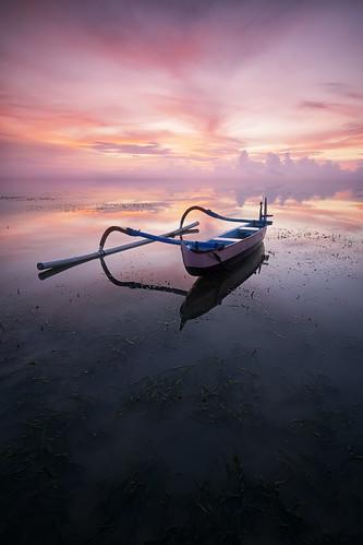 ocean sea bali beach water sunrise indonesia lens boat spider fuji calm canoe filter lee cs fujifilm lowtide 12mm 06 perahu pantai graduated sanur karang outrigger ncs gnd jukung samyang xt1 rokinon littlestopper