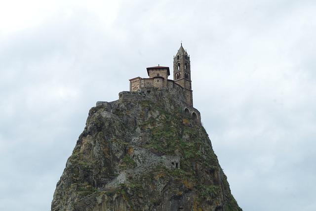 le rocher Saint Michel d'Aiguilhe