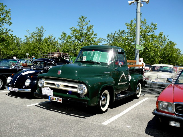 Ford F 100  1953 3917 ccm 110 PS