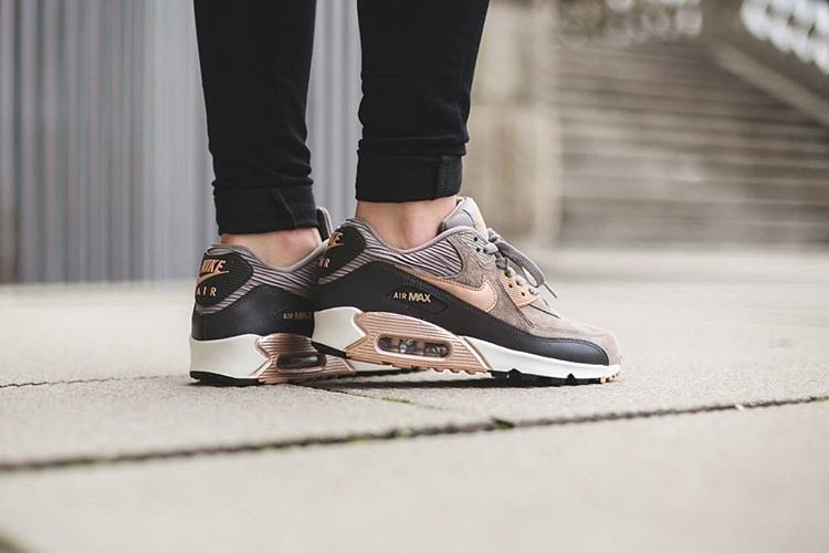 Nike Wmns Air Max 90 Leather 'Iron/Metallic Red Bronze-Dar… | Flickr