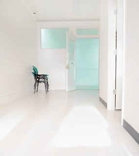 2 white room | by SBT4NOW