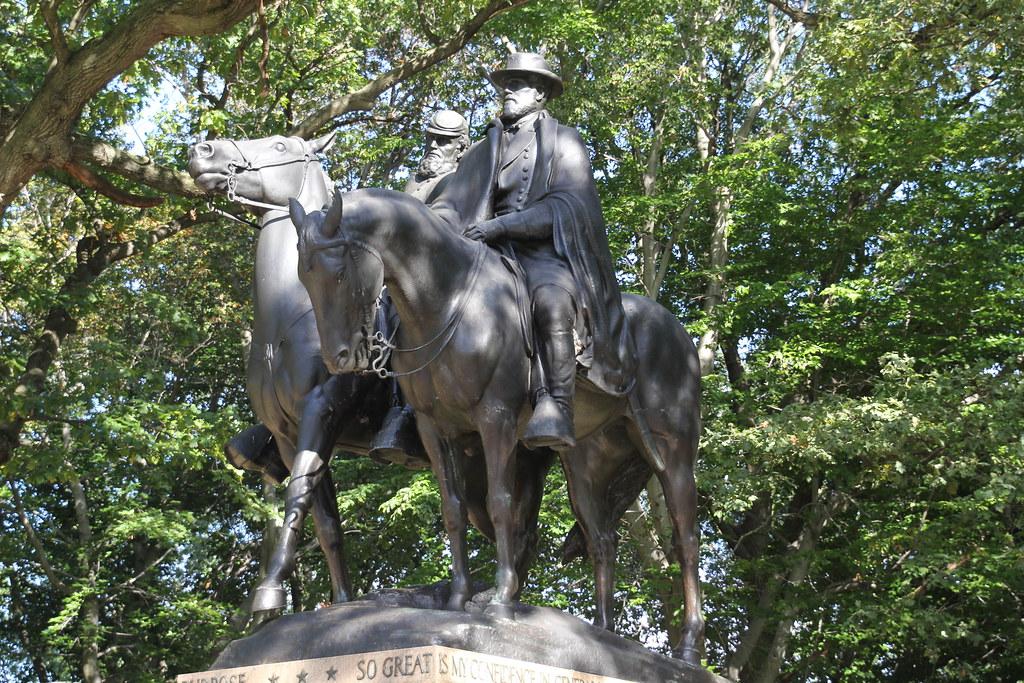 Lee-Jackson Monument, Wyman Park Dell