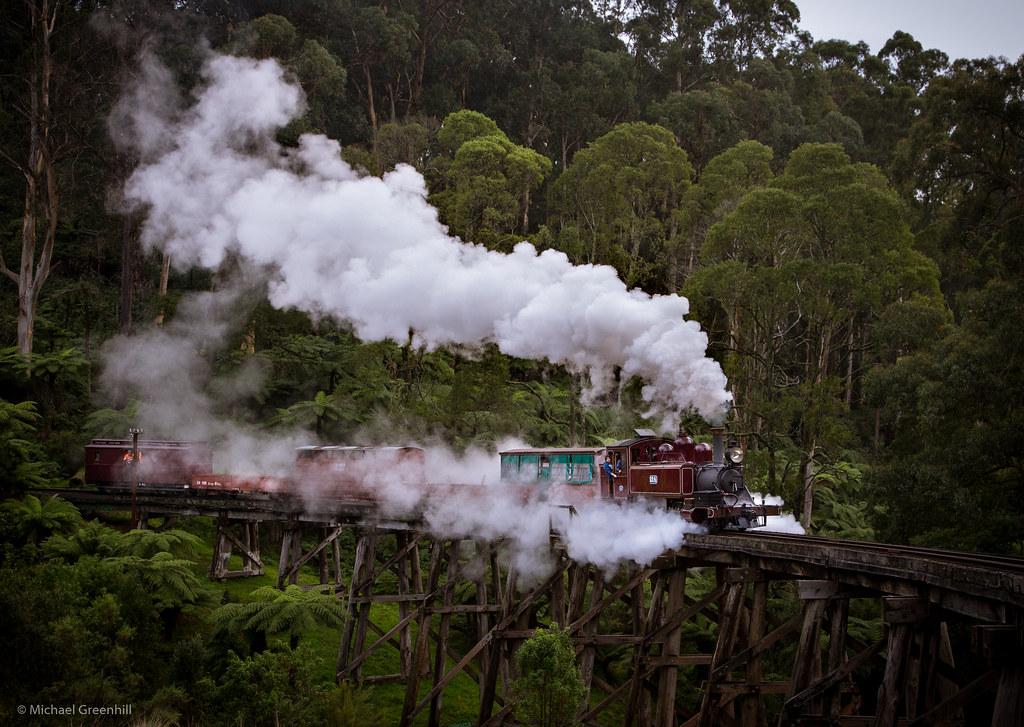 Shivering steam by michaelgreenhill