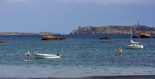 standup paddle à Perros-Guirec. Plage de Tourony et archipel des 7 îles