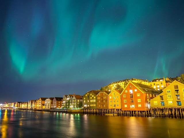 Auroraborealis over the river Nidelven in Trondheim 😊 [explored 10.10.2015]