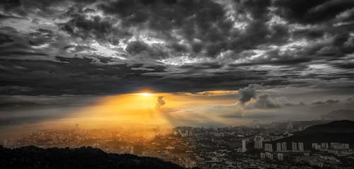 bw monochrome sunrise georgetown malaysia penang 黑白 backandwhite penanghill penangisland komtar penangbridge 日出 bukitbendera pulaupinang my 槟城 檳榔山 单色 tokina1116mmf28 tokina1116mm 槟城大桥 升旗山 乔治市 nikond7000 penang2ndbridge 槟城第二大桥 光大大厦 ahweilungwei