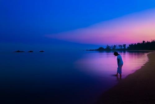 early morning summer beach sunrise seashore dawn water outdoor sea walk japan okinawa earlymorning 名護市 沖縄県 日本 jp