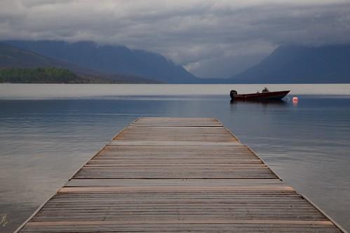 glacier glaciernationalpark apgar lakemcdonald pier dock perspective mountain lake montana boat
