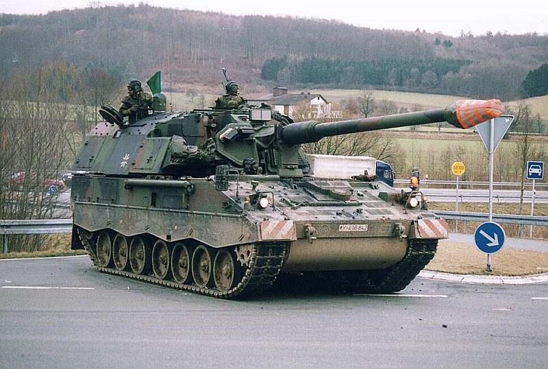 Panzerhaubitze 2000  6