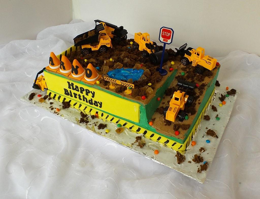 Groovy Construction Site Boys Birthday Cake Design Was Brought I Flickr Funny Birthday Cards Online Alyptdamsfinfo