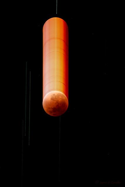 The Falling Moon   Lua Cadente