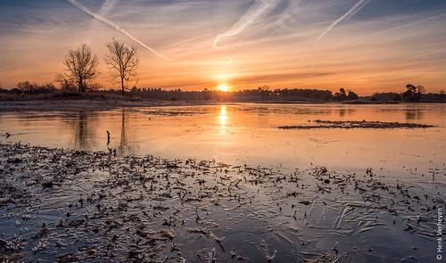 hatertsevennen bevroren blauw frozen geel ice ijs landscape landschap oranje rood sunrise vennen water zonsopkomst overasselt gelderland nederland nl outdoor