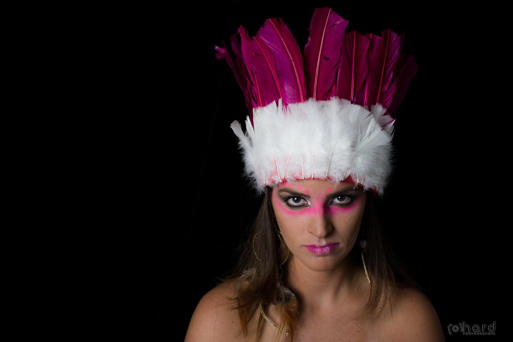 Nos primeiros 100 anos, os europeus assassinaram 90℅ do povo indígena brasileiro!  #hardphotographia #mulheresdepindorama #portrait #portraitfestival #makeup #indian #native #brazilianindian #culture #brazilianculture #authorial #photography #studio #phot