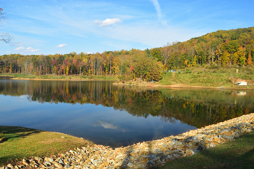 charlottesville reservoir autumn lake nikond5500 trees water virginia fall landscape