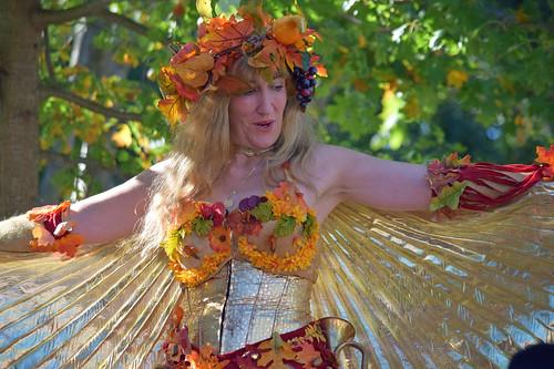 woman costume autumn leaves parf renaissancefaire