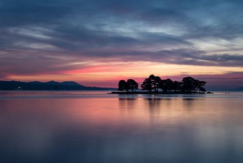 d750 nikon 24120mm shimane lakeshinji lakeside sunset magichour bluemoment sanin japan scenery landscape longexposure yomegashima outdoor december zoomlens