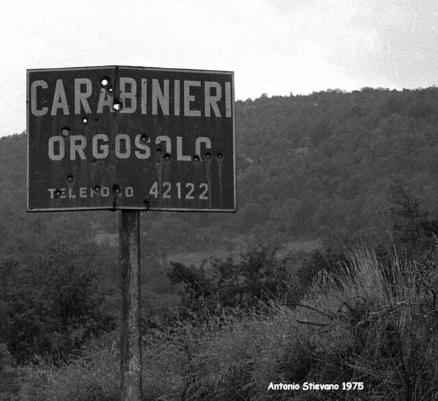 1975 Orgosolo  - cartello stradale