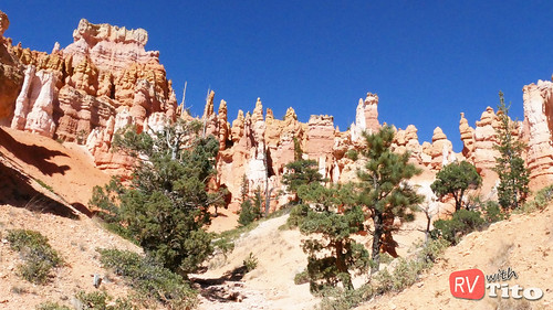 Tue, 10/04/2016 - 13:04 - HIke through Bryce Canyon National Park