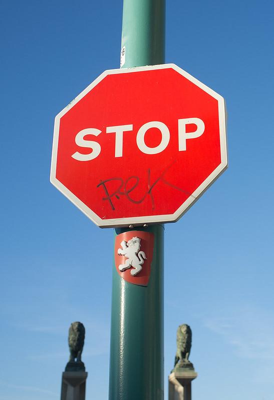 Stop Leones
