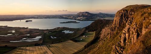 sunset water canon scotland rocks loch kinross lochleven benartyhill perthkinross grantmorris grantmorrisphotography