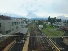 当駅の南側 只見線(右側)は交換可能だが、会津鉄道(左側)は線路がつながっていない