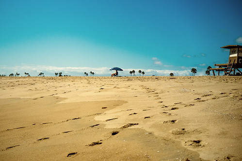 newport beach california usa tracesinsand beachumbrella parasol fujix100 finepixx100