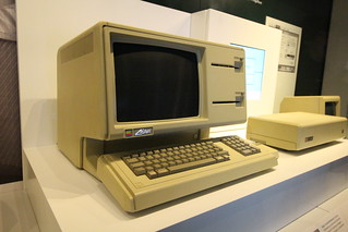 Apple Lisa | by rvr