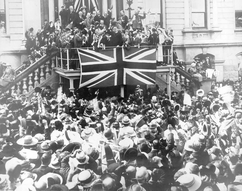 Armistice Day Celebrations, Town Hall, Octagon 1918
