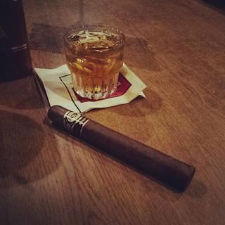 It's time. #bourbon #cigar #knobcreek