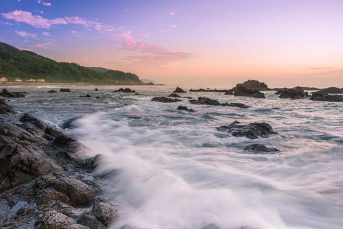 taiwan ilan toucheng sunrise cloud sky wave northeastcoast waiao scenery outdoors rock 台灣 宜蘭 頭城 外澳 東北角海岸 海浪 浪絲 礁岩