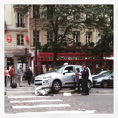 Le gros con du jour! #groscon #taxi #paris #parisnow