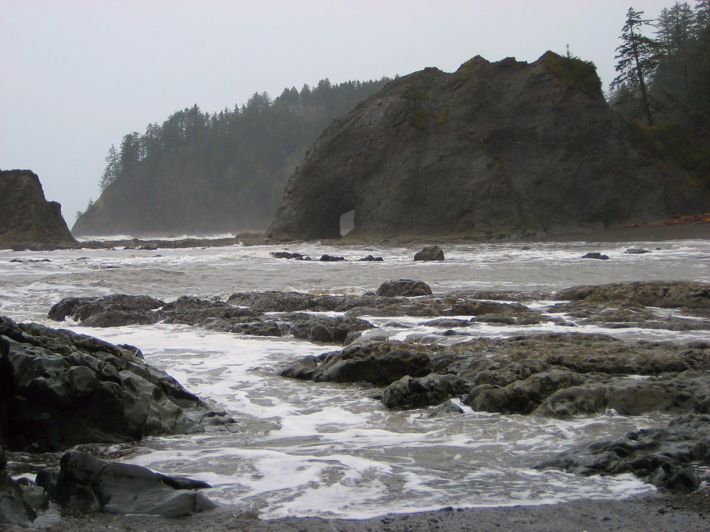 Hole in the Wall @ Rialto Beach, Olympic National Park Washington