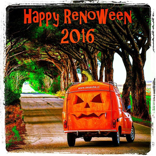 Happy Renoween #renault4 #renault #4l #renault4 #khitarro #r4 #classiccar #halloween #F4 #registrostorico