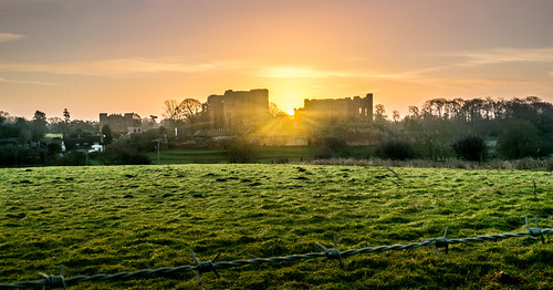 sunrise kenilworth sun castle countryside country tree trees farm land landscape