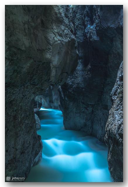 Partnachklamm - Blue water in depth of gorge