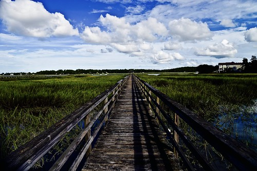 sc south southcarolina carolinas lowcountry beaufort beaufortcounty shore marsh pier boardwalk dock sky bluesky grass seagrass cordgrass clouds cloud shadows shadow shade august summer 2016 nikon nikon2485 nikond610 batterycreek