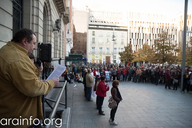 29102016 Protesta en Zaragoza contra investidura Rajoy Foto Pablo Ibáñez ARAINFO (12)
