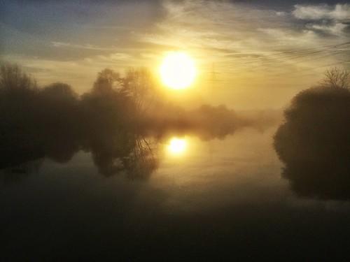 mist silhouette fog sunrise riverthames oxforshire iphone5s