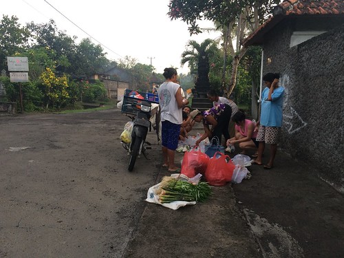Morning groceries in Tegal Mengkeb | by Kaeru