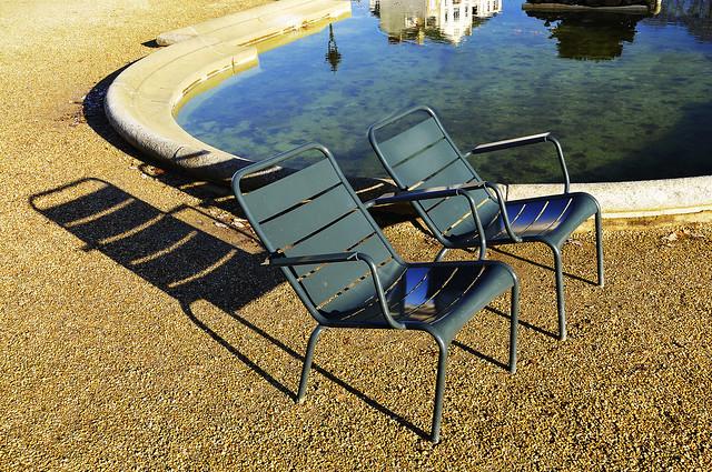 Jardin Thabor Rennes chaises - atana studio