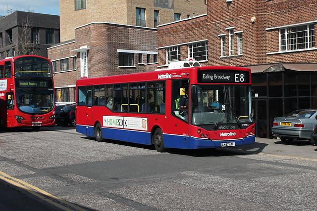 Route E8, Metroline, MM812, LK57AYF