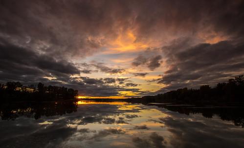 2016 october kevinpovenz westmichigan michigan ottawa ottawacounty thebendarea sunset water reflection pond lake clouds evening dusk color canon7dmarkii sigma1020 blue yellow orange