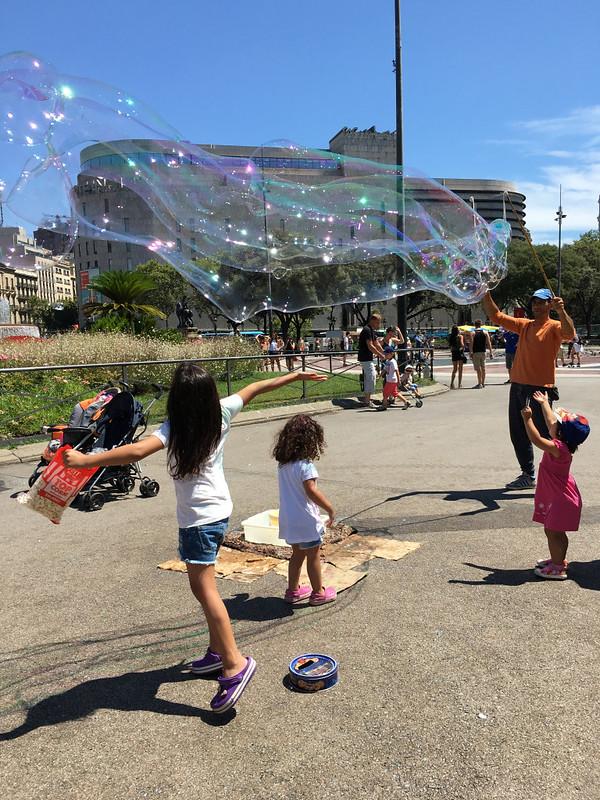 Ly, Cindy; Barcelona, Spain - NINE - Bubbles