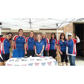 #lwvelo ladies keeping it red, white and blue.