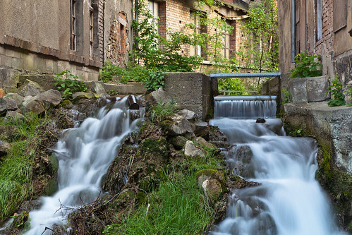 city longexposure urban green water germany deutschland thüringen waterfall spring thuringia oldtown mühlhausen thomasmüntzerstadt
