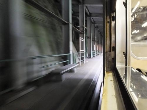 廃止された田子倉駅 六十里越トンネルを抜けた辺りにあるが、スノーシェッドで覆われている