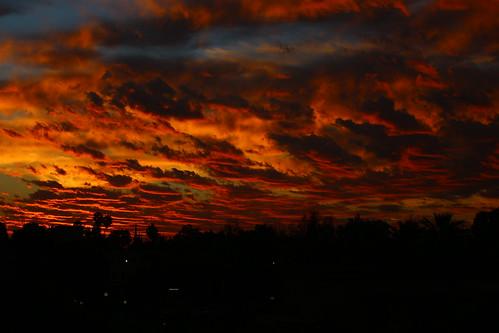 california morning blue shadow red sky cloud fall rain yellow sunrise spectacular dawn early losangeles october paint bright peaceful burn socal oil raincloud octobersky fallsky sandimas
