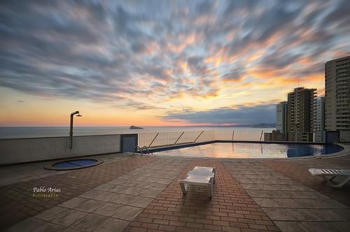 pabloarias photoshop nxd cielo nubes texturas arquitectura piscina pool edificio atardecer sunset villamarina benidorm mar agua mediterráneo alicante comunidadvalenciana
