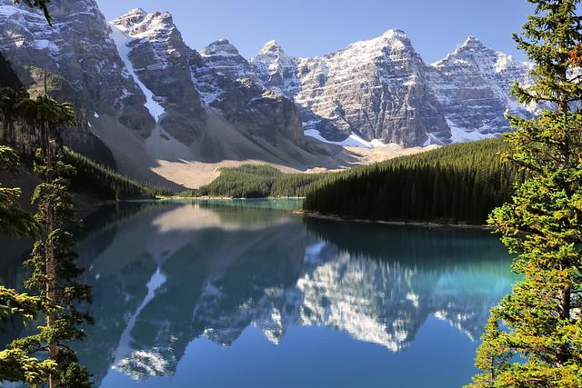 Rocky Mountains landscape - Moraine Lake, Banff National Park, Alberta ..