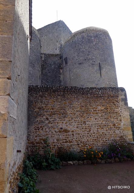 SEMUR-EN-BRIONNAIS: Château Saint Hugues